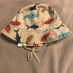 NWT H&M Bucket hat